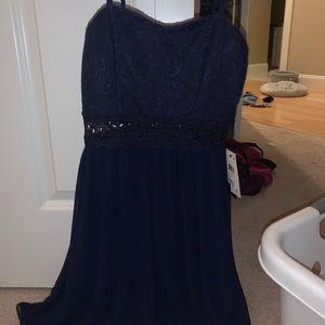navy sweetheart neckline dress